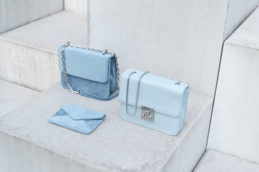 Hellblaue nachhaltige Taschen von Denise Roobol