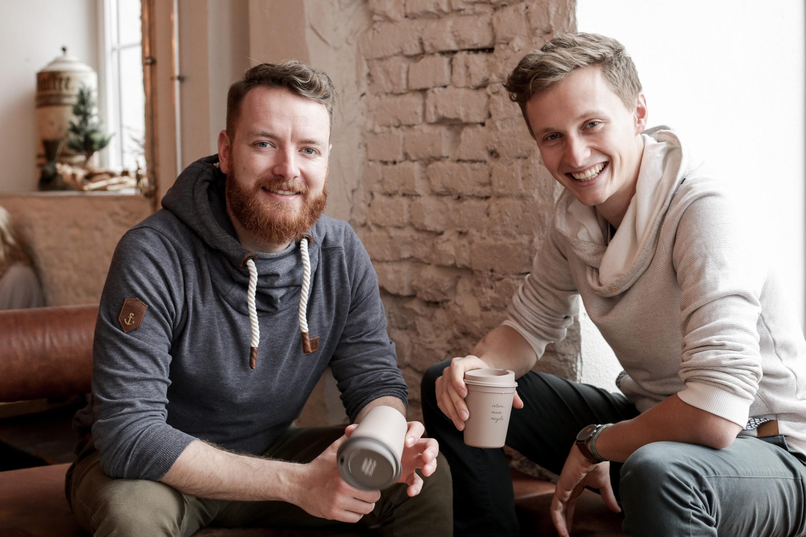 Die beiden Gründer von Recup Fabian Eckert und Florian Pachaly